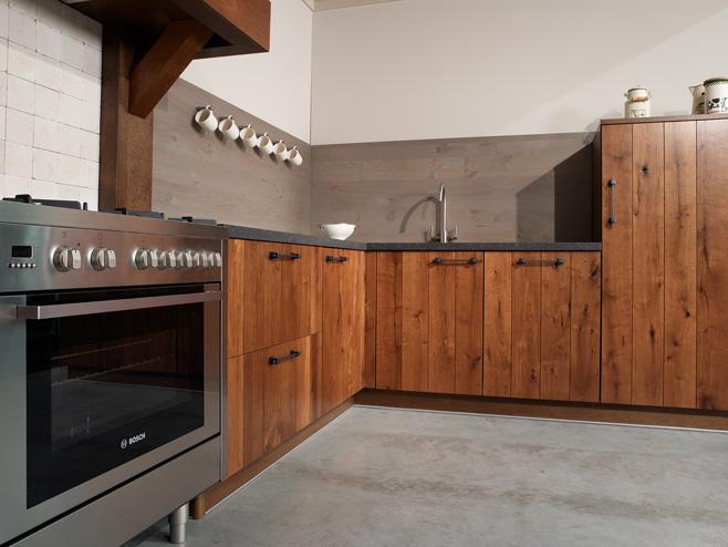 Klassieke keukens beleef je bij KeukenHuiz in De Westereen - Friesland