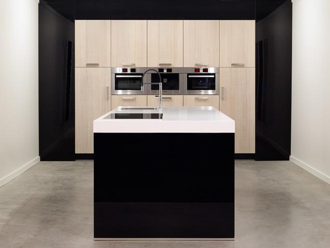 Hoogglans Keuken Zwart : Moderne keukens beleef je bij keukenhuiz in de westereen friesland
