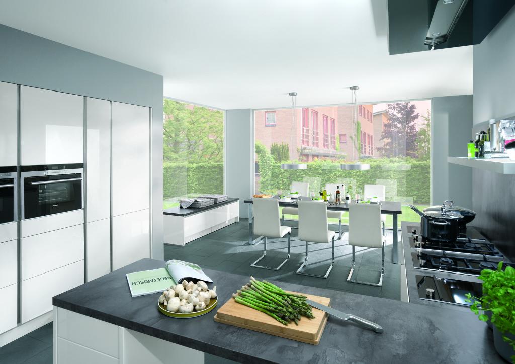 Kleur Moderne Keukens : Moderne keukens beleef je bij keukenhuiz in de ...