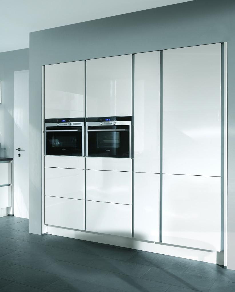 Moderne keukens beleef je bij keukenhuiz in de westereen   friesland