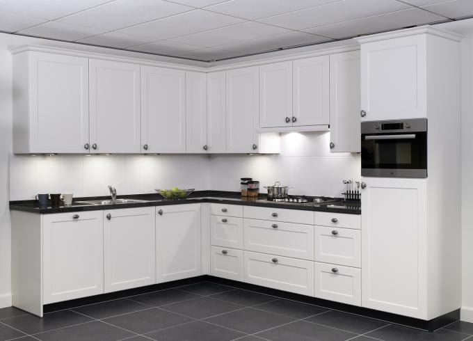 Design Keukens Friesland : Landelijke keukens beleef je bij KeukenHuiz ...