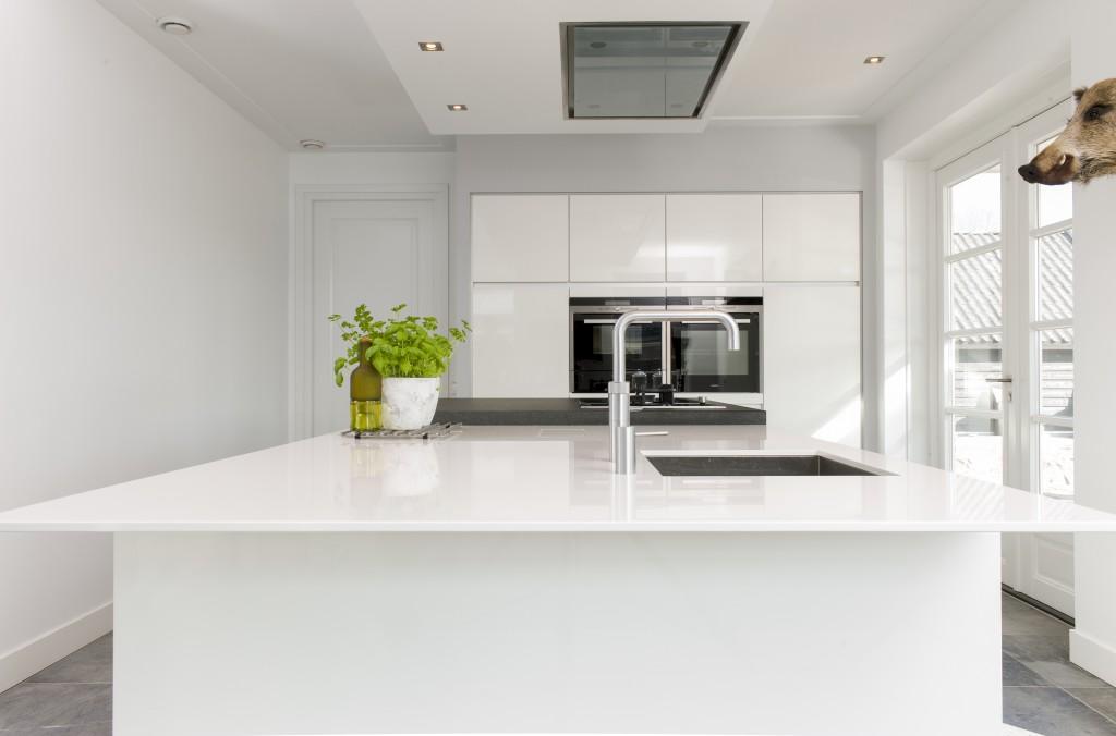 Greeploze Witte Keuken : Greeploze witte hoogglans keuken keuken keukens